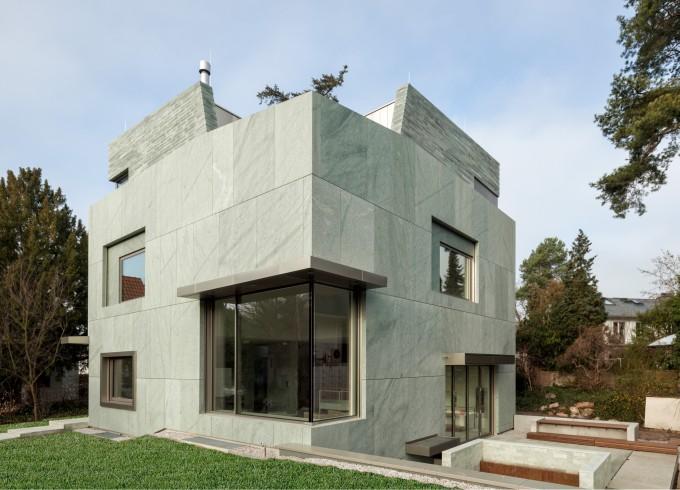 Thumbnail for Ein Wohnhaus von steinerner Beständigkeit